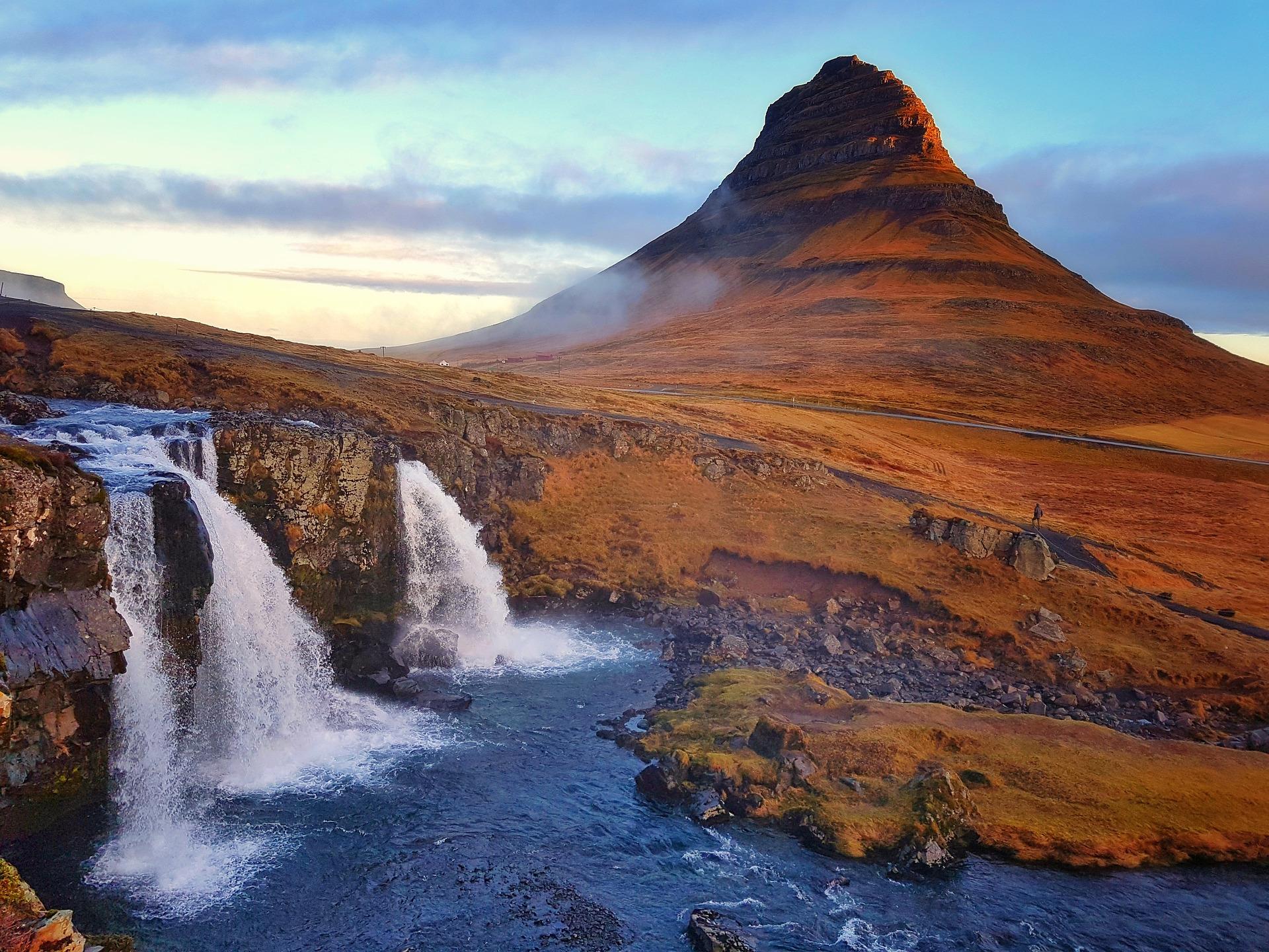 kirkjufell-Islande