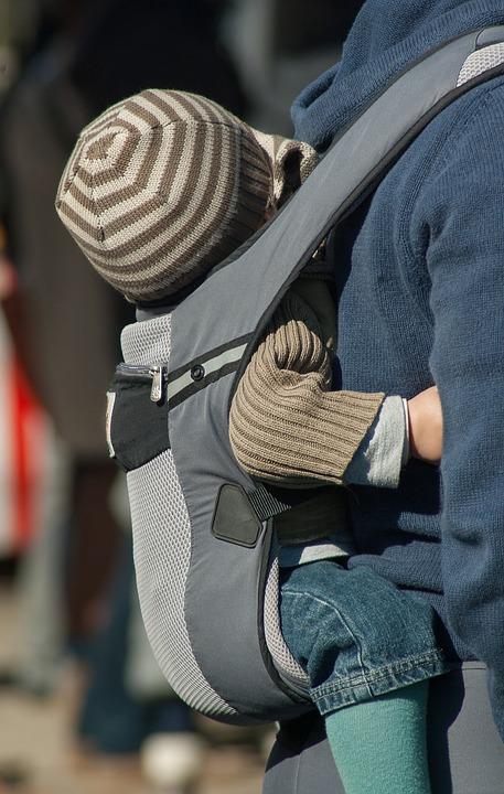 Le porte-bébé souple, facile à transporter et très utile