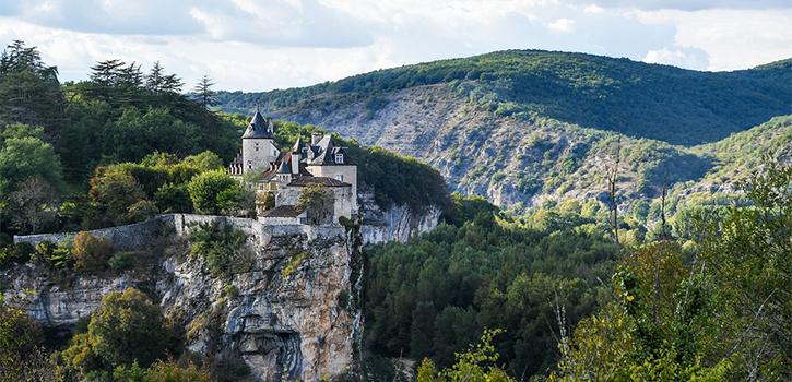 village-medieval-lot-france